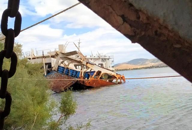 Απομάκρυνση ναυαγίων από τον κόλπο της Ελευσίνας
