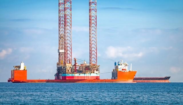 Γιατί οίκοι αξιολόγησης υποβαθμίζουν πετρελαϊκούς κολοσσούς