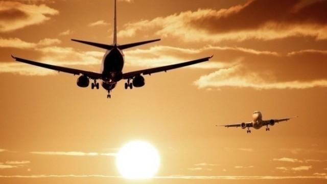 Παρατείνονται οι περιορισμοί στις πτήσεις του εξωτερικού