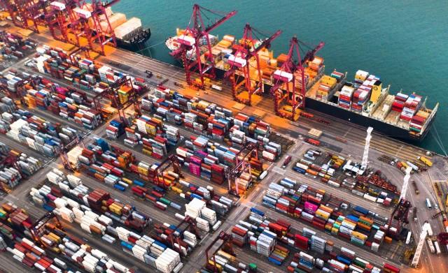 Πώς η Adani Ports φέρνει τα πάνω κάτω στα λιμάνια της Ινδίας