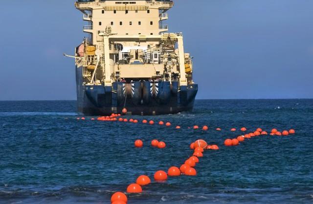 Ξεκίνησε η λειτουργία του μεγαλύτερου υποθαλάσσιου καλωδίου ηλεκτρικής ενέργειας στον κόσμο