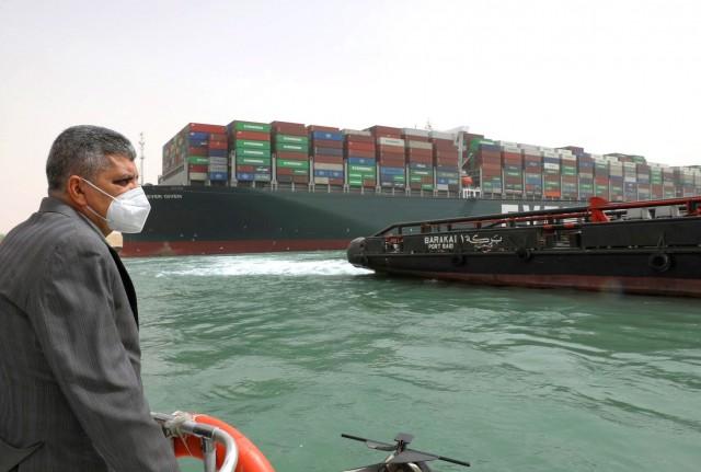 «Έμφραγμα» στη Διώρυγα του Σουέζ: τι σημαίνει για τη ναυτιλία