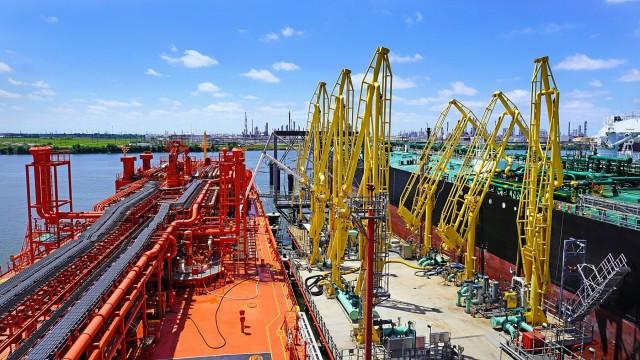 Κίνα και Ινδία απειλούν την εγχώρια πετρελαιοβιομηχανία των ΗΠΑ
