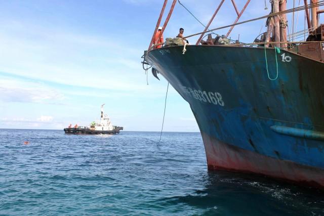 Ινδονησία: Σύγκρουση αλιευτικού σκάφους με φορτηγό πλοίο- 17 μέλη πληρώματος αγνοούνται
