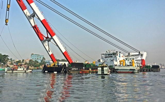 Σύγκρουση πορθμείου με φορτηγό πλοίο στο Μπαγκλαντές – Νεκροί τουλάχιστον 26 άνθρωποι