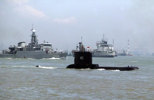 Ινδονησία: Ανασύρθηκαν συντρίμμια του υποβρυχίου
