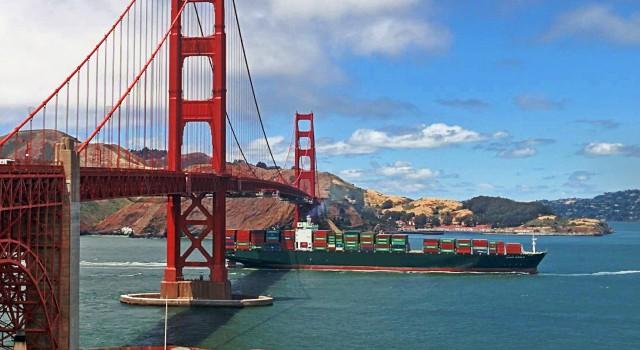 Liner ναυτιλία: Οι εισαγωγές των ΗΠΑ και η άνοδος της ναυλαγοράς
