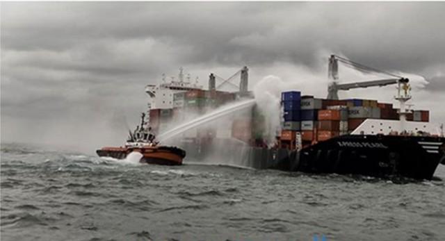 Πυρκαγιά σε containership στη Σρι Λάνκα