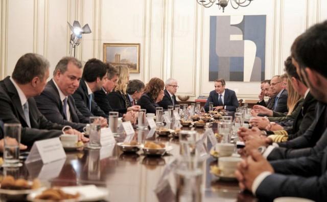 Ενώσις Ελλήνων Εφοπλιστών: Η ελληνική ναυτιλιακή οικογένεια σέβεται τον Πρωθυπουργό, την Κυβέρνηση και τους αξιωματούχους της