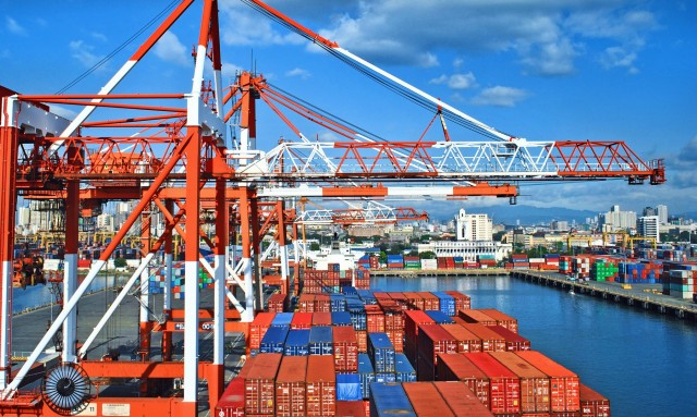 Η «ασφυξία» στα λιμάνια και οι καθυστερήσεις στις φορτώσεις-εκφορτώσεις