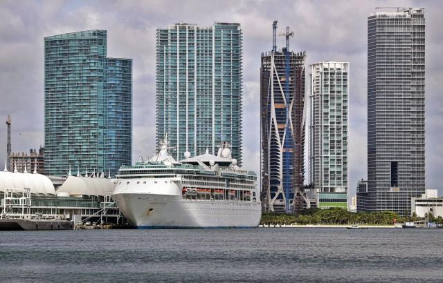 Νομικό χάος για την επανέναρξη της κρουαζιέρας στη Φλόριντα