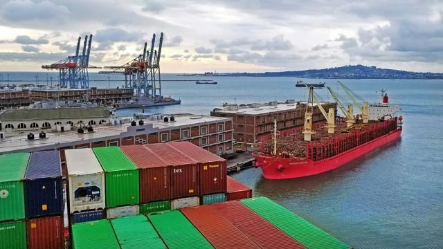 Η παγκόσμια ναυτιλία μέσα από επτά ρεκόρ