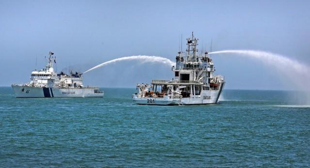 Η Ινδία επιστρατεύει δύο νέα σκάφη για τις πετρελαιοκηλίδες