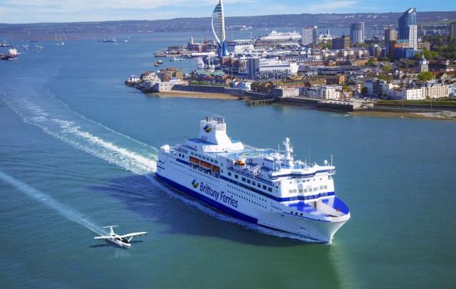 «Ιπτάμενα» ferries στη φαρέτρα της Brittany Ferries