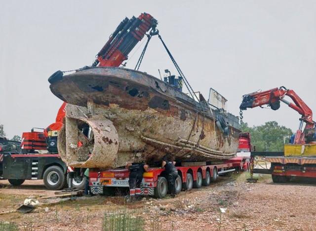 Απομάκρυνση ενός ακόμα επιβλαβούς πλοίου από την Ελευσίνα