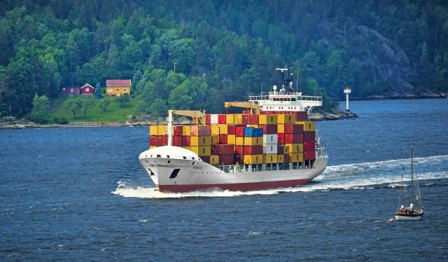 Υπερδιπλάσια αύξηση στις αγοραπωλησίες containerships το Η1