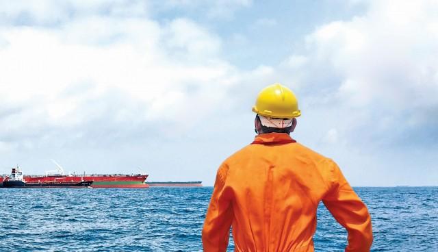 Οι αποκλεισμένοι ναυτικοί εκπέμπουν SOS