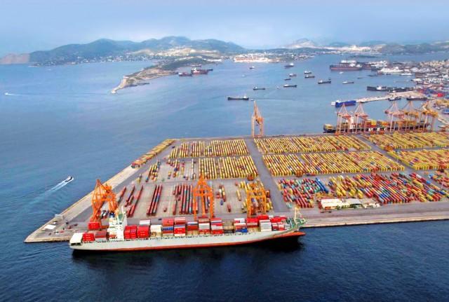 Πειραιάς: Στην 28η θέση μεταξύ των μεγαλύτερων λιμένων εμπορευματοκιβωτίων του κόσμου