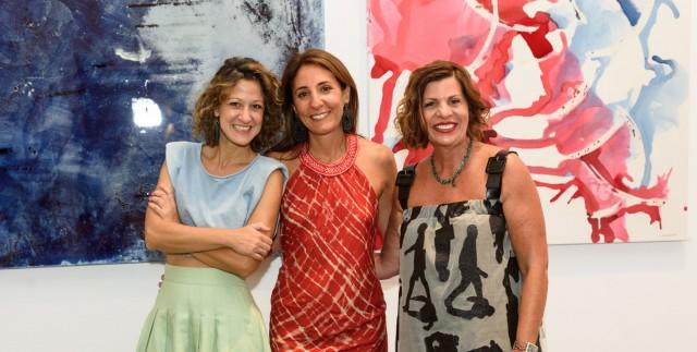 Λάρα Σταφυλοπάτη: Μια εικαστική έκθεση γεμάτη φως στην Art Space Studio 265 της Πάρου