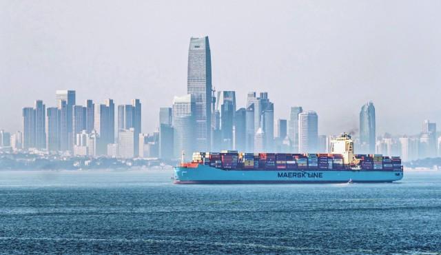 Η Maersk εντείνει τις προσπάθειές της για απανθρακοποίηση