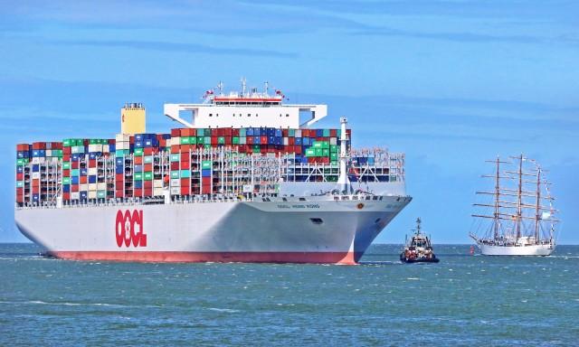 Νέα mega παραγγελία για 10 containerships από την OOIL