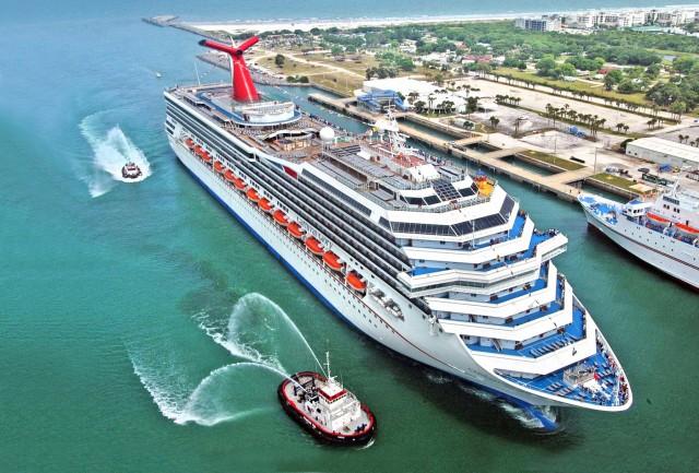 Τυφώνας Άιντα: Η χείρα βοηθείας της Carnival Cruise Line