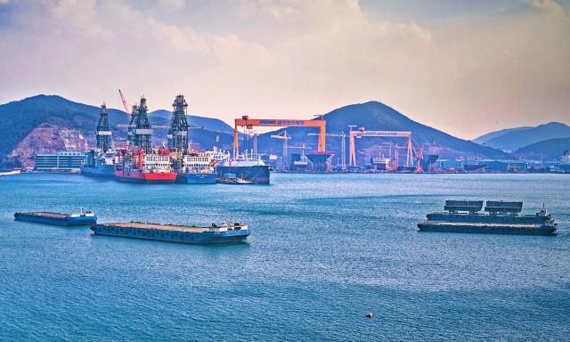Γιατί η Σεούλ «κλείνει το μάτι» στα πράσινα πλοία
