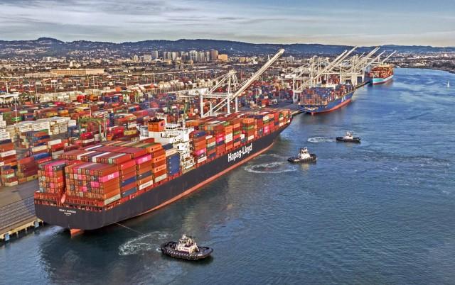 Φρενήρεις οι αυξήσεις των ναύλων πλοίων μεταφοράς εμπορευματοκιβωτίων