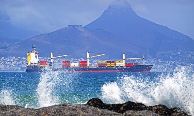 Παγκόσμιος στόλος containerships: Αύξηση των νέων παραγγελιών και μείωση των διαλύσεων