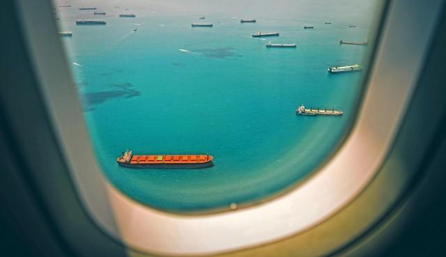 Το μεγάλο στοίχημα των ΗΠΑ για ανθρακικά ουδέτερες εναέριες και θαλάσσιες μεταφορές