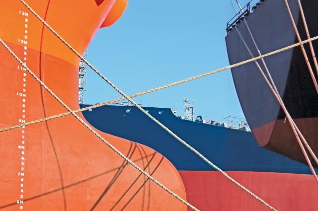 Ασφυκτικά γεμάτα τα ναυπηγεία